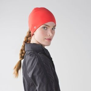 NWOT Lululemon Run and Done toque hat in Alarming